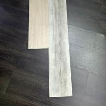 Utilisation d'intérieur et plancher en vinyle SPC de PVC