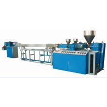 Gewundenes Streifen-Getränke-Stroh, das Maschine herstellt