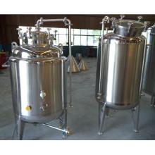 Industriel utilise le réservoir de bière lumineuse
