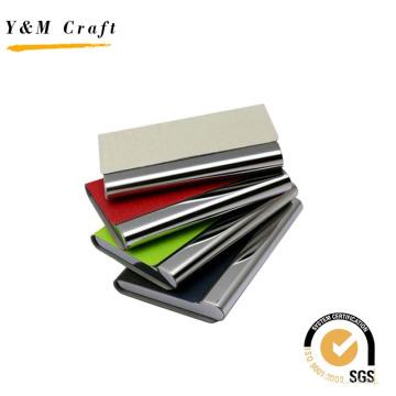 Titular do cartão de metal com couro no topo para os negócios