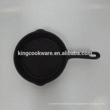 mini frigideira de ferro fundido de óleo vegetal