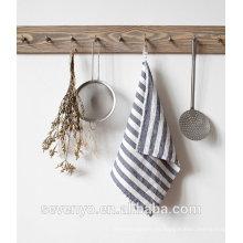 toalla de té estampada gris con rayas HT-064