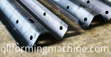 Road Guardrail Roll Forming