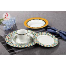 Prato de jantar de cerâmica estilo real