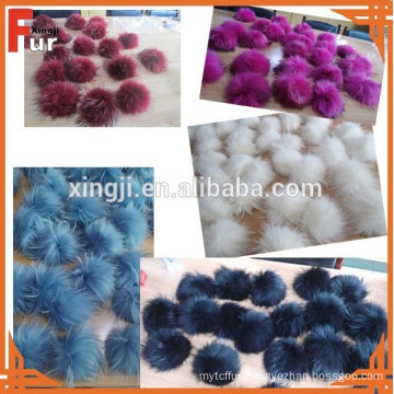 Wholesale genuine raccoon fur pom poms