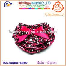 La impresión colorida del corazón de moda rizó los bloomers de lujo del bebé de la muchacha