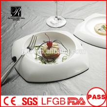 Großhandel weiße haltbare gebrauchte Restaurant serviert Platten / einzigartige Form Abendessen Platte