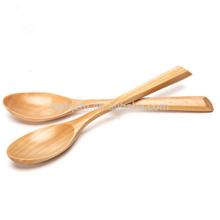 Cuchara de madera natural tallada al por mayor