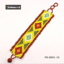 braceletes de handmade bonitos clássicos com um padrão verificado