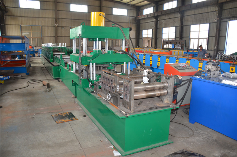 Levelling System For Mail Roll Forming Machine