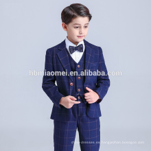 Venta caliente 2017 ventas al por mayor de China Fábrica Cheepest Precio Boys trajes con color azul