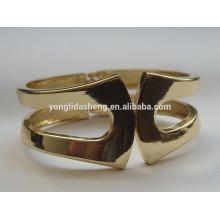 Personaliza sus brazaletes de metal únicos y de lujo
