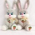 Bonitos brinquedos de pelúcia de pelúcia com olhos de coelho bordados