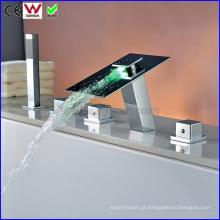 China banho de banheira e chuveiro torneira da banheira LED torneira (fd15300f)