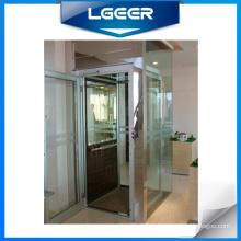 Ascenseur en verre / ascenseur à la maison avec une bonne décoration