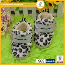 Chaussures de bébé chaud à l'hiver de nouvelle arrivée 2016 chaussures d'hiver pour bébé doux de haute qualité