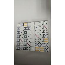 Podwójne dziewięć białych domino