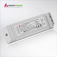 O alojamento plástico IP20 conduziu a fonte de alimentação do excitador 20w 24vdc do ul 20w 0-10v que escurece