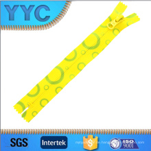 5 # Größe und Heimtextilien, Kleidungsstück, Schuhe, Taschen Verwenden Sie unsichtbare Zipper Roll