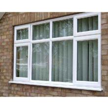 marco de la ventana de plástico de la puerta