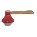Axe Pizza Cutter mit Bambusgriff