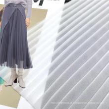 Leve cor personalizada 100% poliéster tecido branco chiffon crepe tecido plissado para vestidos de meninas