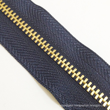 2016 Continuous Metal Zipper for Garments