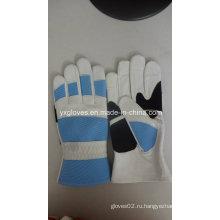 Защитные перчатки, защищенные перчаткой