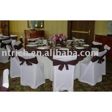 Stuhlabdeckung und Tischdecke
