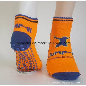 Benutzerdefinierte Anti-Rutsch-Kinder springen Trampolin Socken