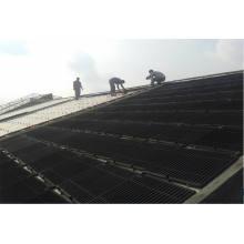 Construído no sistema de aquecimento solar cerâmico do telhado da casa