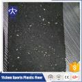 tapete de esportes de borracha usado raquete de badminton