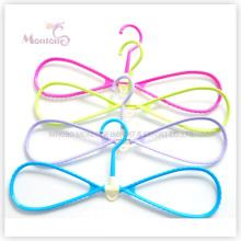 Cabide de roupa multifuncional Bowknot de plástico adorável (42,5 * 19,5 cm)