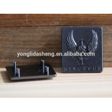 Zinc alloy custom engraved logo metal plate with embossed pattern