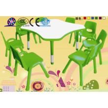 Mesa e cadeira de plástico para crianças
