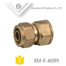 EM-F-A089 encaixe de tubulação de compressão de tipo de luva de cartão de latão reto
