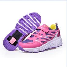 Hot Sell Skate Wheel Shoes Niños Muchachas Auto Retractable Zapatillas Entrenadores