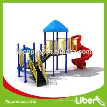 Chine Type de terrain de jeux extérieur et pièces d'acier standard internationales Matériel matériel de terrain de jeux extérieur