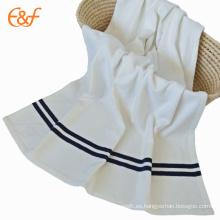 Manta polar blanca al por mayor del paño grueso y suave de la comodidad de la vida de la tela del cepillo