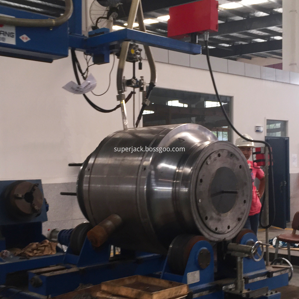 Welded Body Trunnion Mounted Ball Valve 4