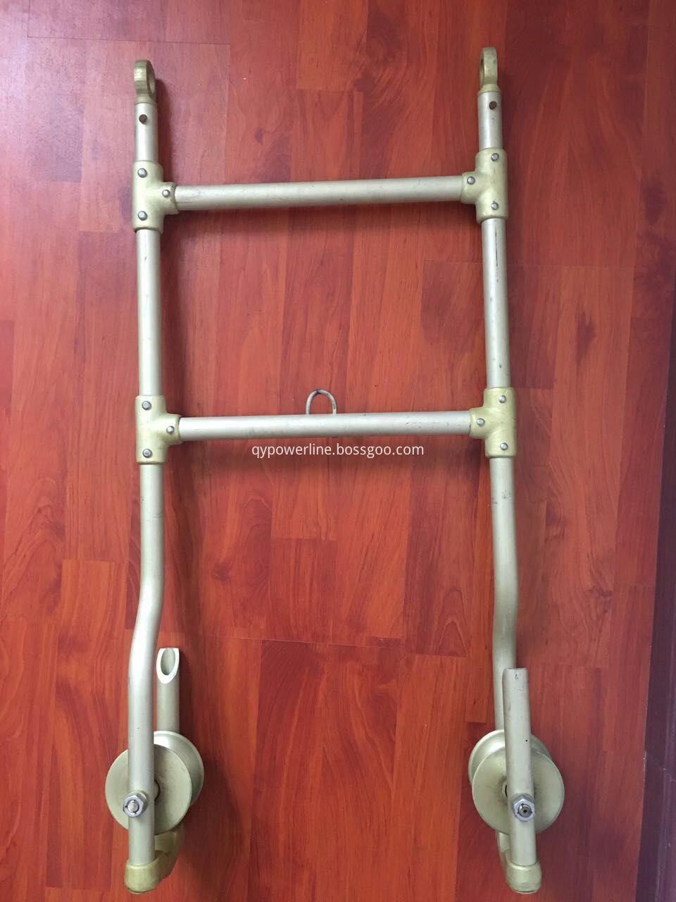 adjustable step ladder
