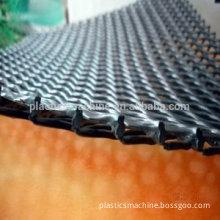Plastic drainage mesh making machine
