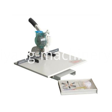 manual single head eyelet machine