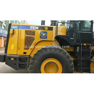SEM680D 8 Ton Wheel Loader Berat