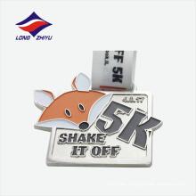 Fábrica de metal artesanales logotipo animal agradable medalla de plata personalizada