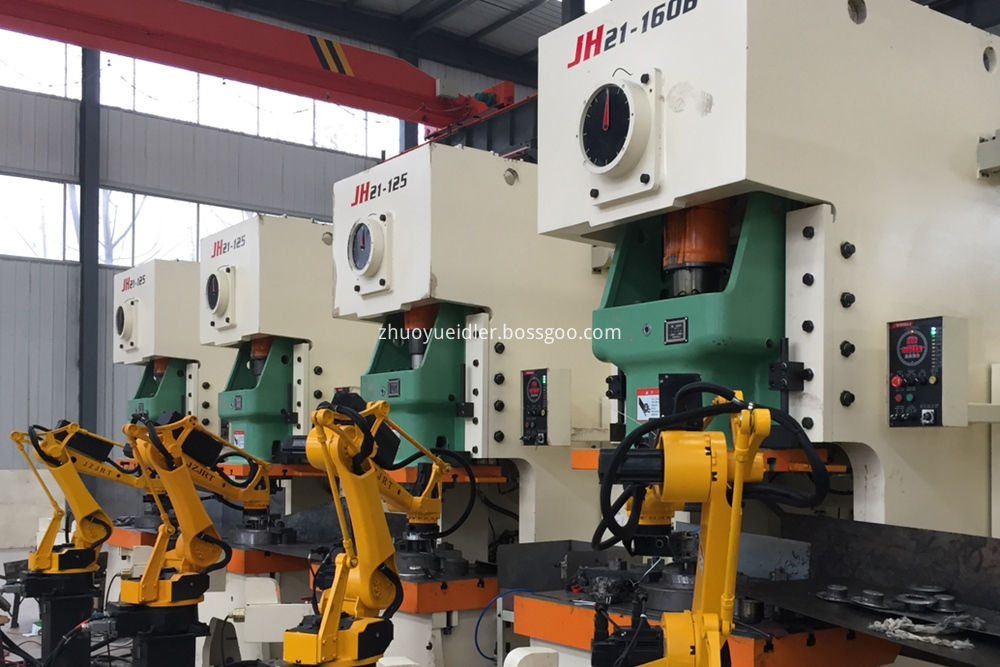 Robot line for bearing housings
