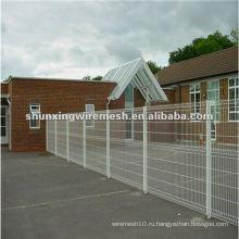 Металлический забор заднего двора