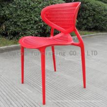 Chaise empilable en plastique rouge de style pastoral à vendre (sp-uc118)