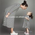 Les robes des enfants conçoit la robe rayée de coton de haute qualité maman et moi les vêtements à manches longues