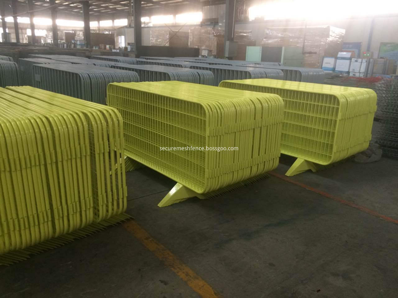 1.2x2.0 mesh temporary fence barriers